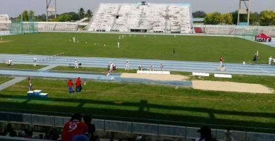 Nueva pista sintética en el Estadio Panamericano de La Habana