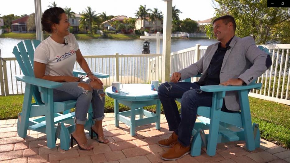 Camila Arteche entrevista a Orlando Fundichely en Un día con