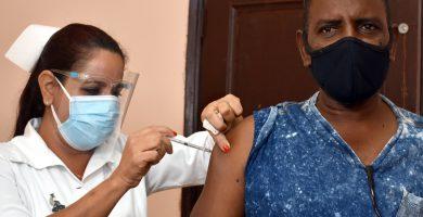 vacunacion masiva contra el coronavirus en La Habana