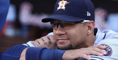 Yulieski Gourriel se corona líder de bateo en la MLB